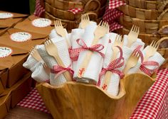 Tied up! A napkin and a wooden fork look perfect with a gingham bow.