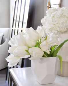 7 Tips to Help You Bring Spring Decor Into Your Home