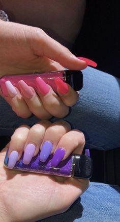 Semi-permanent varnish, false nails, patches: which manicure to choose? - My Nails Aycrlic Nails, Swag Nails, Gradient Nails, Coffin Nails, Bright Summer Nails, Spring Nails, Colorful Nails, Bright Nails, Best Acrylic Nails