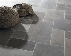 Classic London Grey Mix Tumbled limestone tiles from Mandarin Stone. A striking blend of light to dark grey tones that work well in traditional or modern environments. A smooth, satin-like surface and slightly antique edges combine perfectly. Stone Tile Flooring, Slate Flooring, Stone Tiles, Kitchen Flooring, Slate Floor Kitchen, Flooring Ideas, Grey Kitchen Tiles, Penny Flooring, Kitchen Worktops