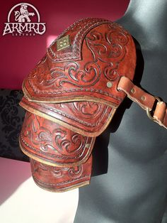 Tooled leather shoulder armour by armrdleather Larp, Leather Armor, Leather Tooling, Tooled Leather, Arm Armor, Body Armor, Costume Armour, Armadura Medieval, Pauldron