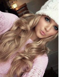 Hi I'm Maddison but everyone calls Maddi. I'm the daughter of Cinderella and Price Thomas. I am 16.