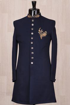 Sherwani For Men Wedding, Wedding Dresses Men Indian, Wedding Dress Men, Designer Suits For Men, Designer Clothes For Men, Indian Designer Wear, Mens Fashion Blazer, Suit Fashion, Gents Kurta