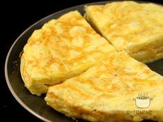 Tortilla de cartofi Romanian Food, Cornbread, A Food, Macaroni And Cheese, Food To Make, Cooking Recipes, Health, Ethnic Recipes, Tortilla