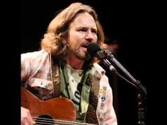 Eddie Vedder - Girl from the North Country (Bob Dylan Cover) - YouTube