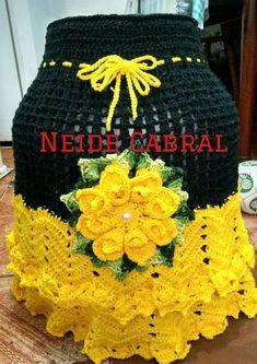 Capa para botijao Crochet Home, Love Crochet, Beautiful Crochet, Knit Crochet, Knitting Projects, Crochet Projects, Knitting Patterns, Crochet Patterns, Crochet Doilies