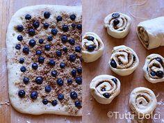 blueberry cinnamon rolls by Tutti Dolci