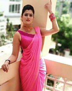Beautiful Women Over 40, Beautiful Girl Indian, Most Beautiful Indian Actress, Beautiful Saree, Indian Photoshoot, Saree Photoshoot, Beauty Full Girl, Beauty Women, South Indian Actress Hot