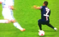 Beautiful Piece Of Skill By PSG's Lucas Moura