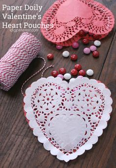 Paper Doily Valentine's Heart Pouches. These Paper Doily Heart Pouches are a pretty way to give a yummy gift this Valentine's Day! They're so easy to make and are sure to make a sweet impression on someone you love! Easy Valentine Crafts, Valentines Day Food, Valentines Day Activities, Valentine Heart, Valentine Gifts, Valentine Recipes, Funny Valentine, Valentine Ideas, Paper Doily Crafts