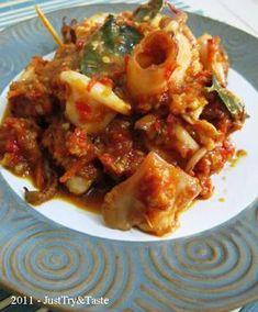 Just Try & Taste: Cumi-Cumi Sambal Merah Squid Recipes, Fish Recipes, Seafood Recipes, Asian Recipes, Cooking Recipes, Ethnic Recipes, Noodle Recipes, Seafood Diet, Malay Food