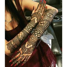 """1,143 Likes, 7 Comments - Sparkle My Shaadi (@sparklemyshaadi) on Instagram: """"Geometrical patterns paired with traditional mehendi designs turn out into a masterpiece design.…"""""""