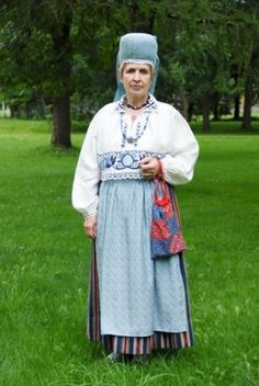 Woman in yhe traditional costume from Järva-Jaani Parish, Jarvamaa County, Central Estonia