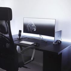 Todays featured workspace desk setup is by @hyperlax