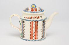 OnlineGalleries.com - A Gorgeous 18th Century Creamware Teapot