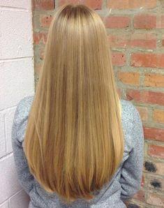 Women's cut and blowdry by John Blonde Hair Girl, Blonde Beauty, Hair Beauty, Bun Hairstyles For Long Hair, Straight Hairstyles, Girl Hairstyles, Shaved Hair Women, Langer Bob, Beehive Hair