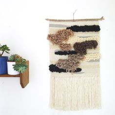 Totem / / big woven wall hanging / / tapestry par totembypoppy