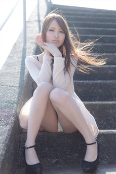 コスプレイヤー なーさんのミニスカワンピでのスラリとした超美脚がまぶしい私服ポートレート画像の記事画像42