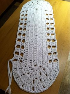 Hooked on crochet: Cotton strip crochet rug / Tapete de crochê feito com trapos