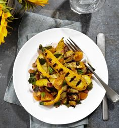 Grilled zucchini summer salad