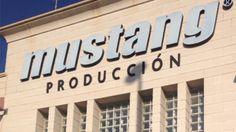Los alumnos del Máster de Calzado de Coco School, visitararon la fábrica de Mustang en Elche, viviendo de primera mano el proceso de producción.