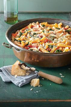Budget-Friendly Quick-Fix Meals: One-Pot Pasta with Tomato-Basil Sauce