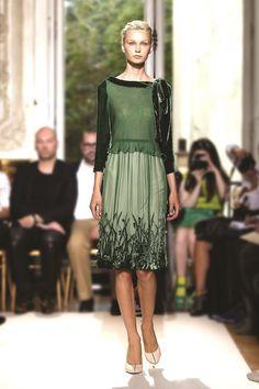 #Georges Hobeika #floral skirt #green Forest green velvet with floral applique.