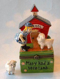 Nursery-Rhyme-MARY-HAD-a-LITTLE-LAMB-School-House-Porcelain-Hinged-Box-MIB