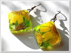 Daisy Resin earring Handmade Jewelry with Real by Annysworkshop, $18.00