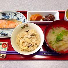 筍、蕨、ゴボウ、椎茸 の入ったご飯です(^_^)v - 17件のもぐもぐ - 山菜ご飯 by orieueki
