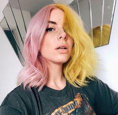 Yellow Hair Color, Cool Hair Color, Green Hair, Hair Colors, Blue And Pink Hair, Pink Yellow, Pink Short Hair, Blue Green, Short Wavy