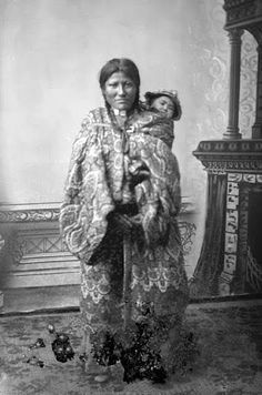 One of the two wives of Rain In The Face - Hunkpapa - no date: