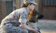 Video clip from 'Megan Leavey,' the dramatic film based on a true story starring Kate Mara, Bradley Whitford and Tom Felton. Kate Mara, Military Working Dogs, Military Dogs, Military Women, Megan Leavey, Les Innocents, Peliculas Online Hd, War Dogs, Aggressive Dog