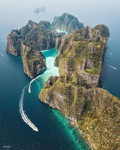 Phi Phi Leh Island, Thailand #thailand #travel #adventure #vacation #holiday #travelphotography #tour #tourism #flight #easyjet #trips #overseastravellers Van Life Blog, Living On The Road, Phi Phi Island, How To Become, Islands, Destinations, Travel Destinations, Island, Viajes