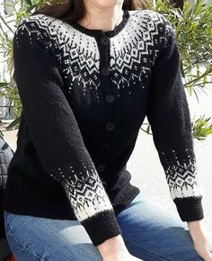 Ravelry: Project Gallery for a - Winter Fantasy Jacket pattern by DROPS design Knitted Mittens Pattern, Fair Isle Knitting Patterns, Knitting Machine Patterns, Sweater Knitting Patterns, Knitting Charts, Knitting Designs, Knit Patterns, Vogue Patterns, Vintage Patterns