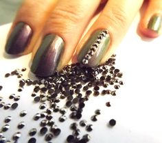 HEMATITE 2mm #Rhinestones 1 Gross for $1.50, via #Etsy. Super easy addition to a #manicure!