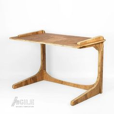 Agile SIMPLE DESK is a Light, Elegant, and yet Super-Strong and Collapsible Desk thats Easily Transportable and Customized Furniture Fix, Plywood Furniture, Collapsible Desk, Marble Desk, Carpenter Work, Round Kitchen, Simple Desk, Vinyl Record Storage, Tung Oil