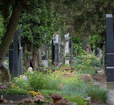 Vyšehrad Cemetery (Vyšehradský hřbitov) by Adam R. Paul, via Flickr