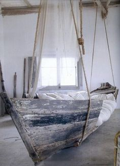 Oude boot als bed