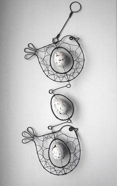 Závěs s ptáčky a vajíčkem