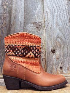 | kiboots | 'inez' ankle boot - size 37 {6} - dainty lion