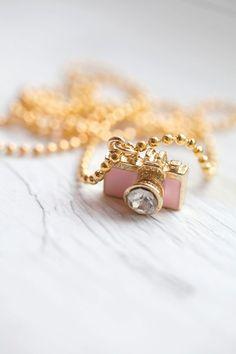 pink camera pendant. so cute!