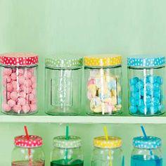 Guarda en estos #tarros super alegres lo que más te guste ^_^ Encuentralos en www.differentshop.es/40-botes-y-tarros