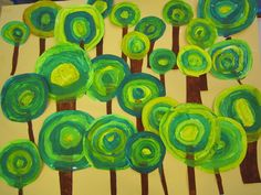 Trees inspired by Hundertwasser. Fall Crafts, Diy And Crafts, Crafts For Kids, School Murals, Art School, Art Projects, Projects To Try, Dot Day, Ecole Art