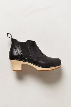 I think I could live in these. Swedish Hasbeens, Dress For Success, Sweden, Clogs, Shoe Boots, Fashion Inspiration, Footwear, Booty, Live