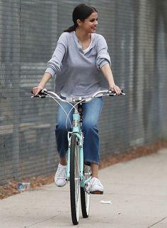 October 30: Selena seen riding a bike in Los Angeles, CA [HQs]