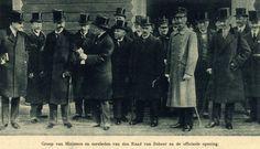 24-02-1919. Afbeelding na de opening van de derde Jaarbeurs op het Jaarbeursterrein in het Park Tivoli (Nachtegaalstraat) te Utrecht met o.a. jhr. mr. Ch.J.M. Ruys de Beerenbrouck (minister Binnenlandse Zaken), jhr.mr.dr. H.A. van Karnebeek (minister Buitenlandse Zaken), mr.dr. W.A. van Zijst (voorzitter van de Raad van Beheer), H.A. van IJsselstein (minister Landbouw, Handel en Nijverheid), mr. S. de Vries Czn. (minister Financiën), mr. Th. Heemskerk (minister Justitie) en W.Graadt van…