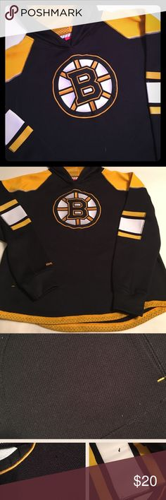 EUC Reebok NHL Boston Bruins Hoodie Sz L(14-16) Good Condition...100% Polyester Boston Bruins Hoodie, not your typical Hoodie. Nice & Heavy, yet breathable. A couple snags due to wear & type of fabric. Two very small places on the sleeve that the decal is distressed & A couple places wear stitching has started to come out. None of these flaws are noticeable when on and do not affect the look or function of the hoodie! Please feel free to ask questions... Reebok Shirts & Tops Sweatshirts…