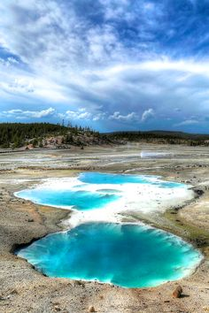 Porcelain Geyser Basin in Yellowstone National Park | GI 365