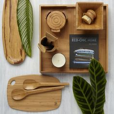 El diseño sostenible también llega a todos los accesorios y complementos, como en este kit de mesa.  #Esmadeco.